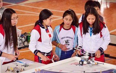 Estudiantes Anglistas se destacan en Robótica